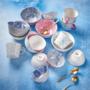 Kép 6/6 - ORNAMENTS bögre kék kék/pink ezüst szegéllyel 520ml
